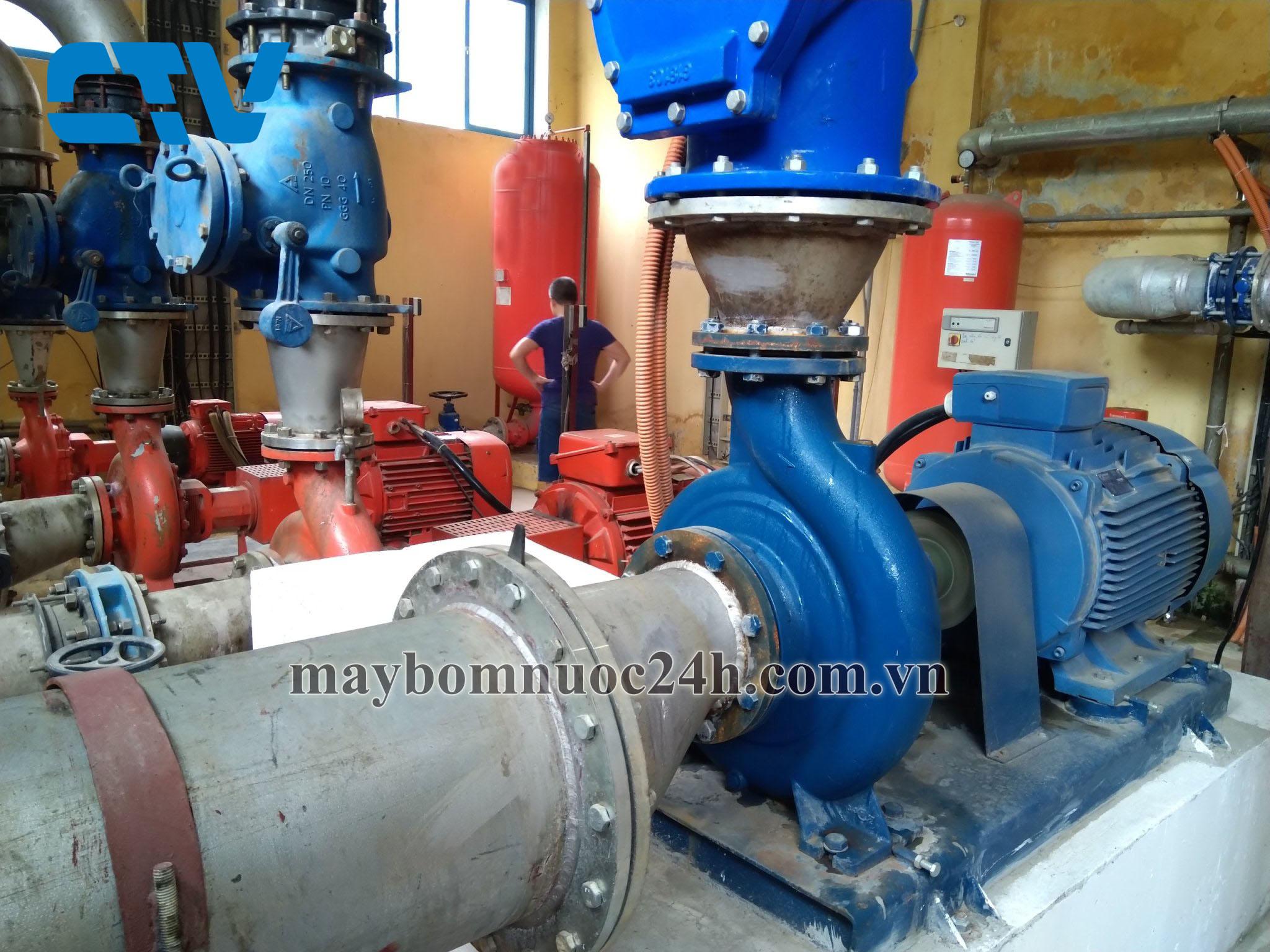 Lắp đặt bình tích áp Wates 1000l cho Hệ thống cấp nước sạch Thành phố